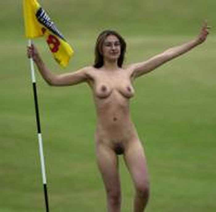 uncensored Nude girl streaker